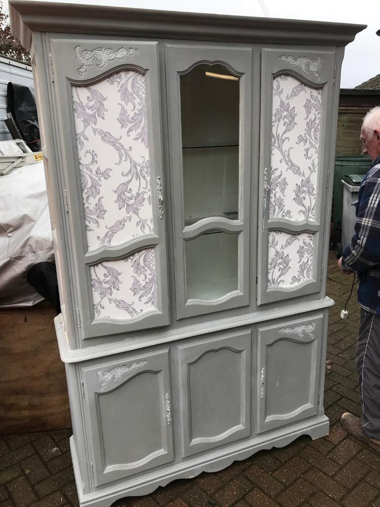Dresser shabby chic hardwood dark wood £30