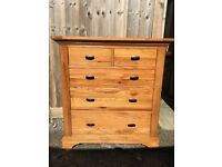 Chest of Drawers. Solid Oak.