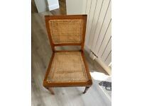 very good condition table/chairs