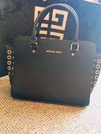 Mickael Kors handbag