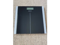 Bathroom Scale: Electronic