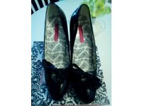 Black patent heels S.7
