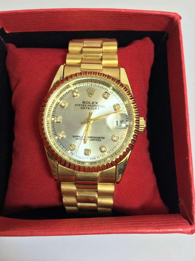 Rolex Datejust Gold, Automatic Watch, Metal Strap 1st Class Postage Availablein Chorlton, ManchesterGumtree - Gold Rolex Datejust Watch with Silver Diamond Dial Automatic Self Winding Movement (Sweeping Needle) Has small date window Metal Strap still sealed High Quality Watch, not like all the cheap rubbish everyone else is selling Watch comes boxed in a...