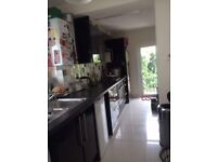 **LIVERPOOL STREET** SINGLE - ROOM AVAILABLE CALL ME NOW