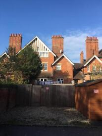 2 Bedroom Apartment in the heart of Summertown.