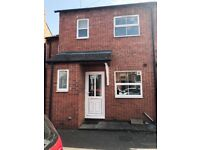 Four bedroom property to rent in Grimsbury, Banbury at £925pcm
