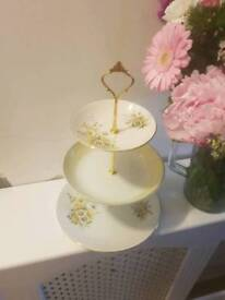 Cake plate stands