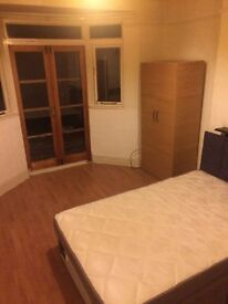 Large Double Room available for rent in Mitcham immediately for GBP 500 PCM all bills inclusive