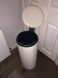 Brabantia Metallic Garbage Bin Trash Touch Foot Operated Lid 30 L