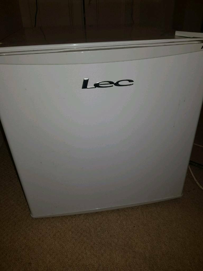 LEC R50052w Mini Fridge
