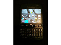 EE Black BlackBerry Bold 9720 Touch Screen Phone + Charger Like new