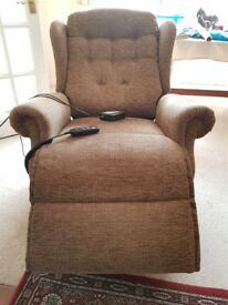 Reclining chair,mains operated in excellent condition