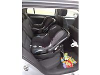 TWO Maxi Cosi Cabriofix car seat and isofix base excellent for twins