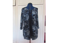 Next blue floral print top Size 8 Excellent condition