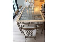 DINING ROOM TABLE AND 8 CHAIRS (INCLUDING TW0 CARVERS)