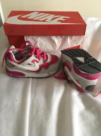 Nike Air Max Skyline size 6.5