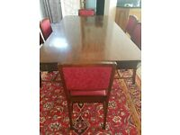 Mahogany Dining Room Table with 6 Matching Chairs