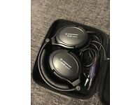 Sennheiser PXC 350 noiseguard cancelling headphones and case