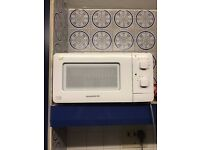 Daewoo QT1 Compact Microwave Oven