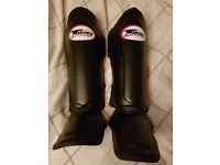 Sandee Gloves/Kick Pads & Twins Special Shin Pads