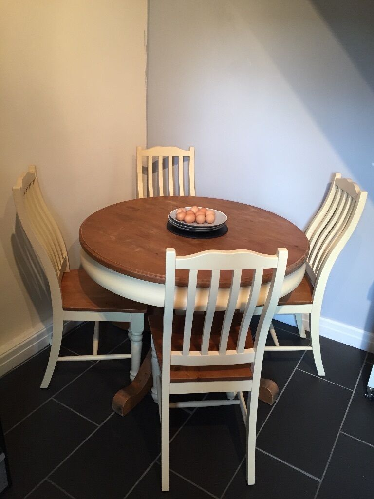 Cream Pine Round Dining Table And 4 Chairs
