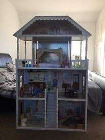 4 foot Dolls house..