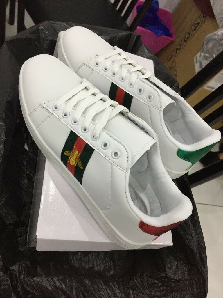 eb7937152dc GUCCI ACE BEE WHITE SIZE 5 7 8.5   9 UNISEX MEN AND WOMEN KIDS TRAINERS  SNEAKERS FREE POSTAGE