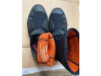 Gul Neoprene boots