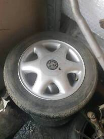 Set of 4 Astra wheels with caps