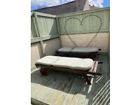 Retractable sun loungers