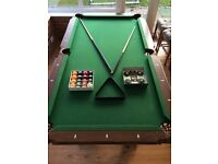 AMERICAN POOL TABLE & ACCESSORIES - 8' x 4'