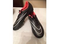 Ladies Nike football boots size 6