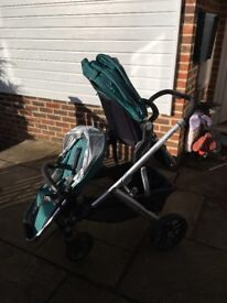 Uppababy Vista 2015 double (includes carrycot)