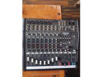 Mackie DFX 12 mixer