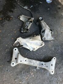 56 BMW 1 SERIES 1.8 PETRO ENGINE AND GEARBOX MOUNTING AVALIABLE