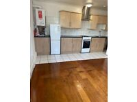 Spacious 2 Bed First Floor Flat Located In Forest Gate E7
