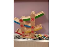 Wooden kids car ramp and 4 wooden cars