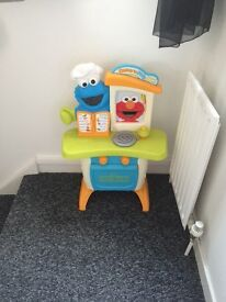 Sesame Street Cookie Monster Elmo play kitchen with sounds