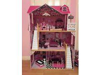 Dolls House (mint condition)