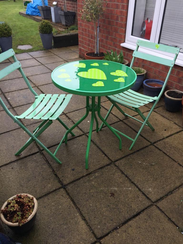 Vintage garden bistro table chairs