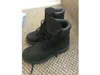 Black size 5 timberlands great condition
