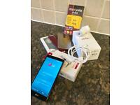 LG G4 Mobile phone and accessories, excellent condition unlocked