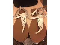 Size 8 white ladies shoes