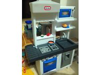 Little Tikes ultimate kitchen unisex and 100 accessories like new