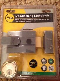Yale Deadlocking Nightlatch