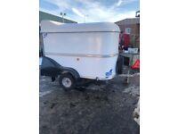 Bv64 box trailer with roller shutter door at rear