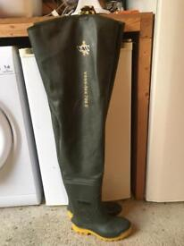 VASS Waders Size 7