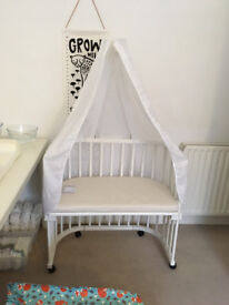 White Babybay Cot + unused organic mattress