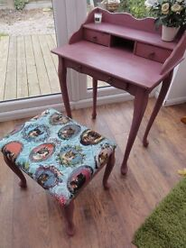 Hand Painted Small Dressing Table / Writing Desk with Stool : : Annie Sloan