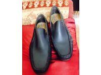 Men's size 11 shoe